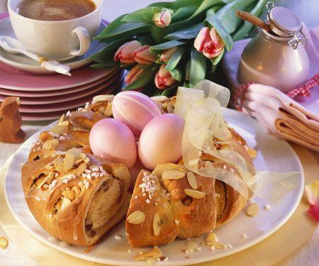 Easter Egg Pastry Ring