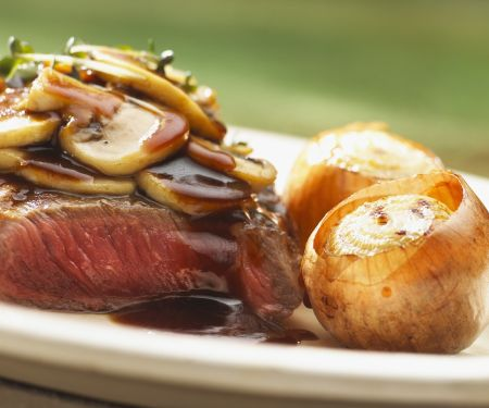 Entrecote Steak with Mushrooms and Whole Onions
