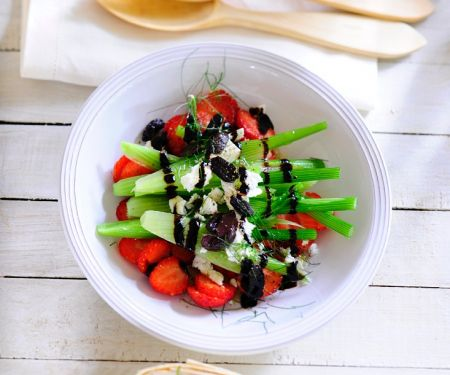 Fennel Salad with Berries and Olives
