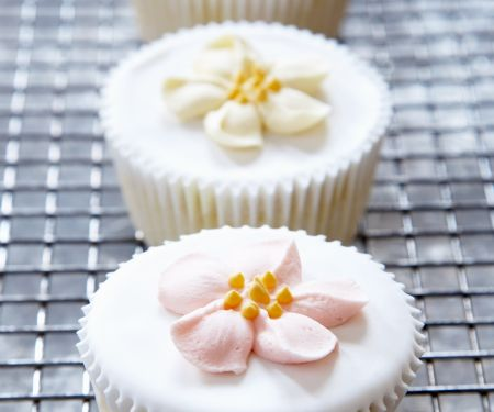 Floral Iced Individual Cakes