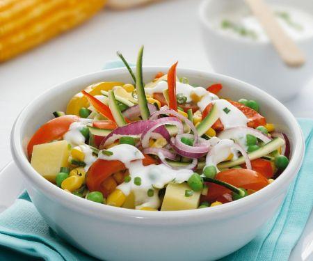 Fresh Vegetable Salad with Yogurt Dressing