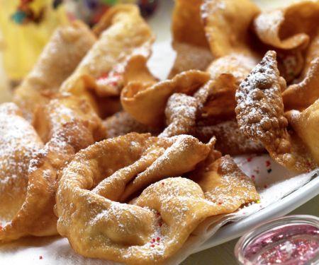 Fried Cinnamon Cakes