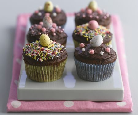 Frosted Easter Chocolate Cakes