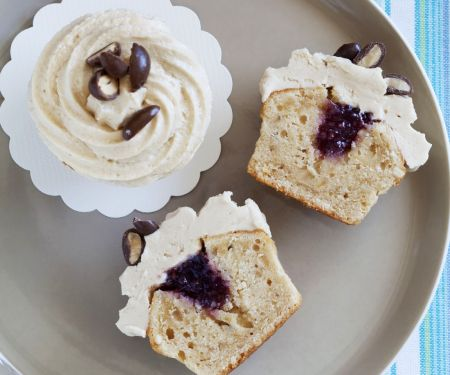 Jam-centre Cakes with Topping