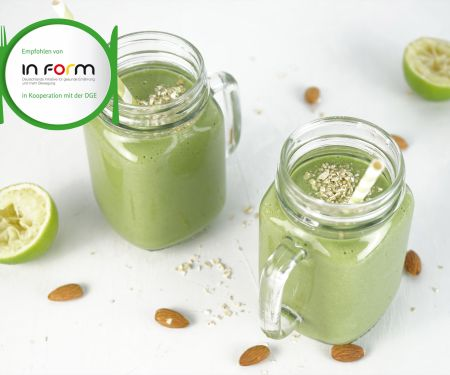 Lamb's Lettuce Pear Smoothie