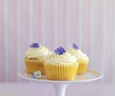 Lemon Buttercream Cupcakes