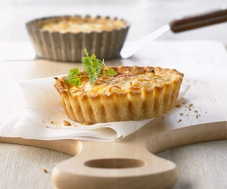Low Calorie Smoked Salmon and Egg Tartlets