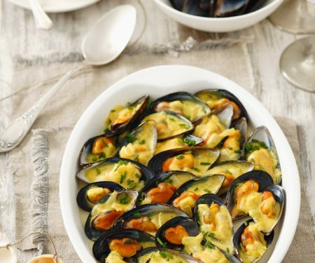 Mussels Gratin with Sauce