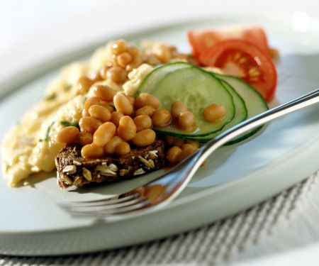 Omelette with Baked Beans, Cucumber and Tomatoes