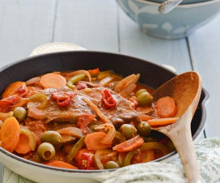 Pork Escalopes with Olives and Carrots