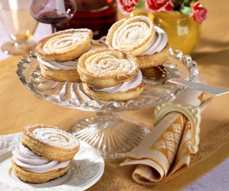 Puff Pastry Pinwheels with Port Wine Cream