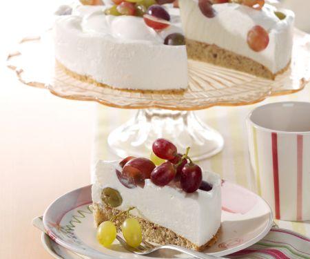 Quark-nut Torte with Grapes