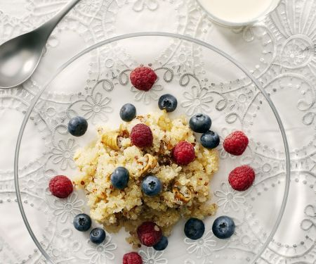 Quinoa Cereal with Berries and Figs