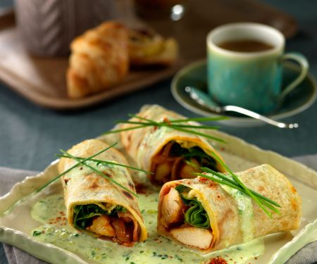Rolled Chicken Crepes with Creamy Sauce