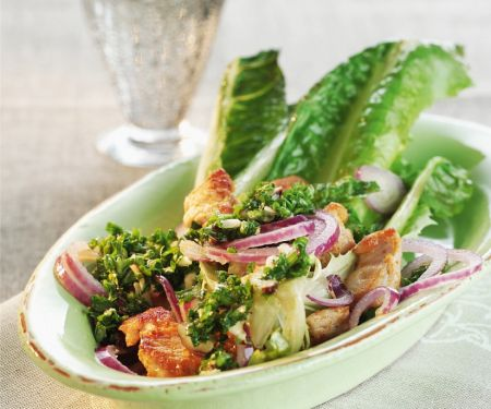 Salad with Chicken and Red Onions