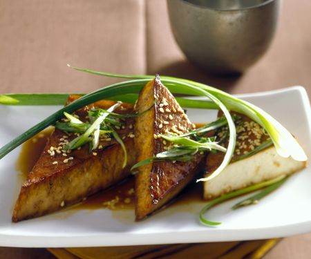 Soya Triangles with Scallions