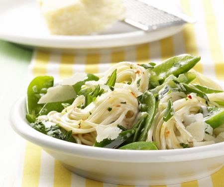 Spaghetti with Spicy Spring Vegetables
