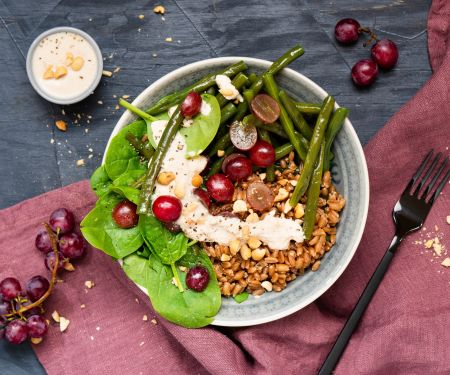 Spelt Spinach Bowl with Peanut Dressing