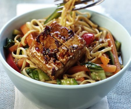 Spicy Glazed Tofu, Vegetables and Noodles