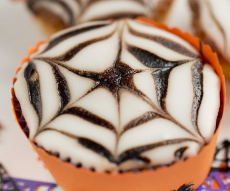 Decorated Web Cakes