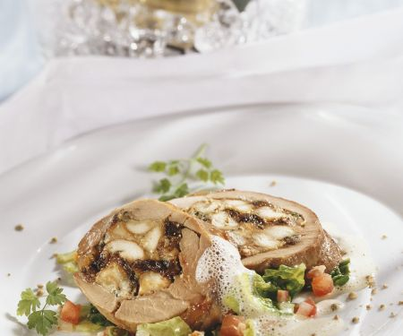 Stuffed Turkey Slices with Cabbage