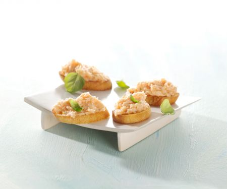Toasted Baguette Slices with Smoked Salmon Cream