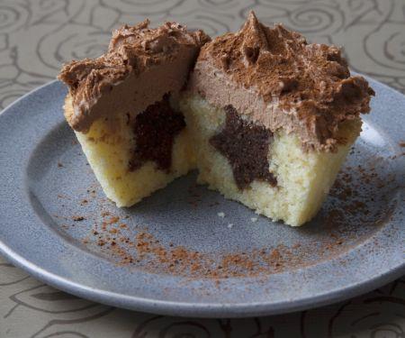 Two-tone Vanilla Cakes