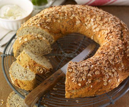 Whole-grain Bread Wreath