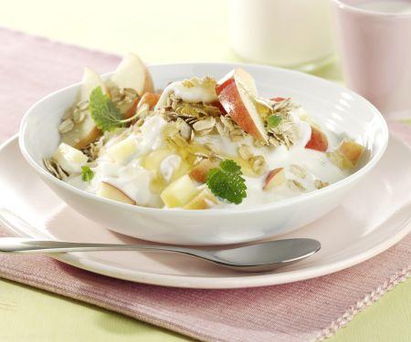 Yogurt with Honey and Apple