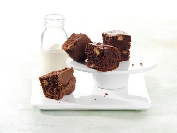 Apple-Hazelnut Brownies with Vanilla Sour Cream