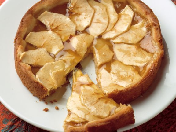 Apple Tart with Apricot Jam