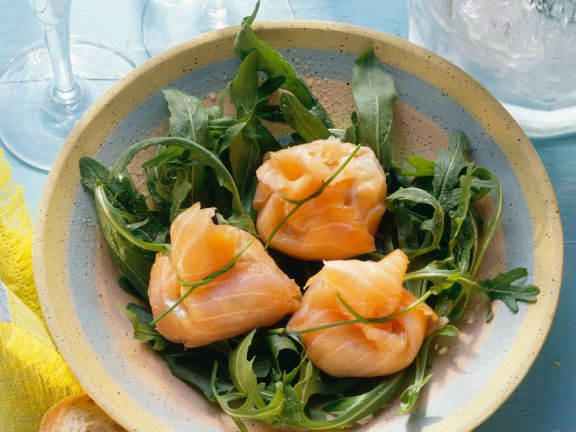 Arugula Salad with Smoked Salmon and Cream Cheese Parcels