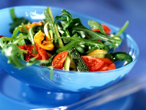 Arugula Salad with Tomatoes and Zucchini