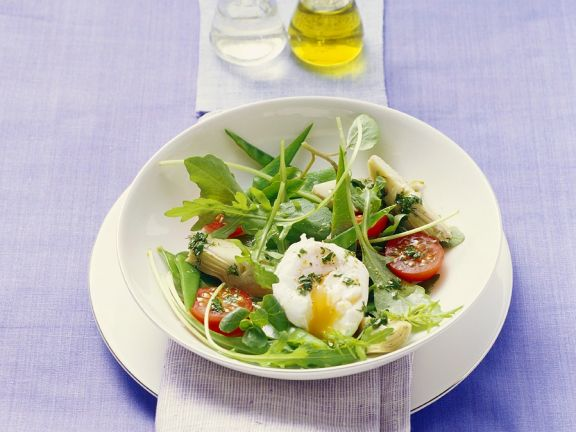 Arugula Salad with Vegetables and Poached Egg