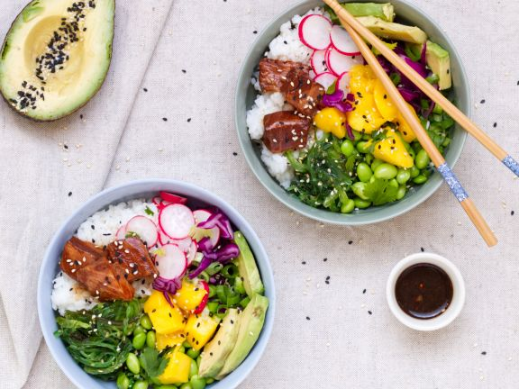 Asian Sesame Poké Bowl