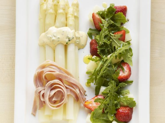 Asparagus Salad with Arugula and Strawberries