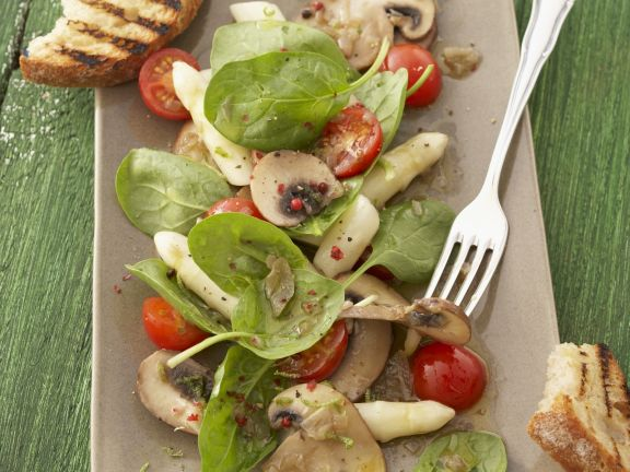Asparagus Salad with Spinach and Mushrooms