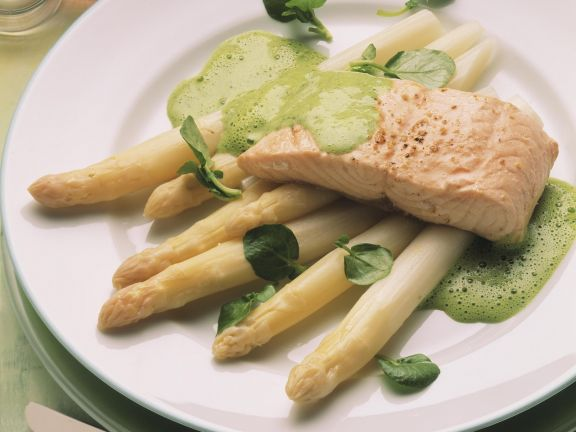 Asparagus with Salmon and Watercress Sauce