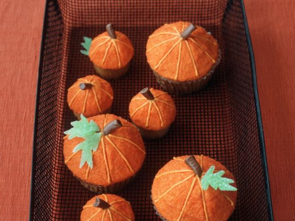 Autumn Orange Marmalade Cupcakes with Frosting