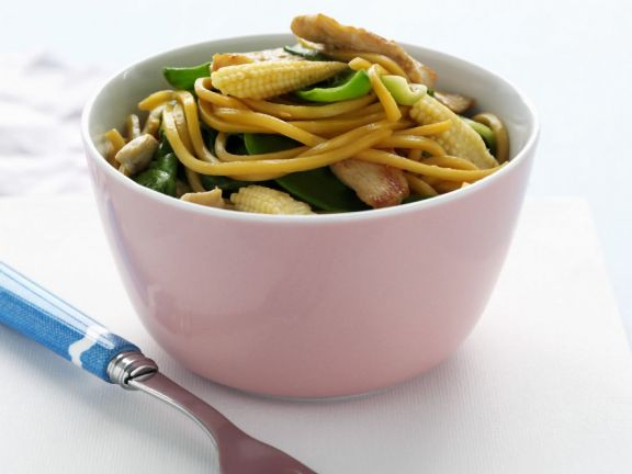 Baby Corn and Chicken Noodle Bowl