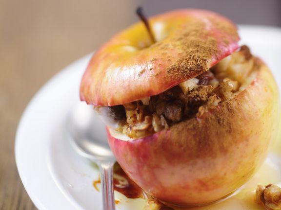 Baked Nut-Stuffed Apples