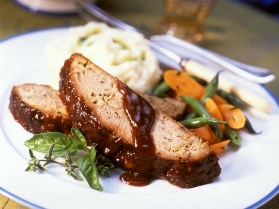 Barbecue Meatloaf with Mashed Potatoes and Vegetables