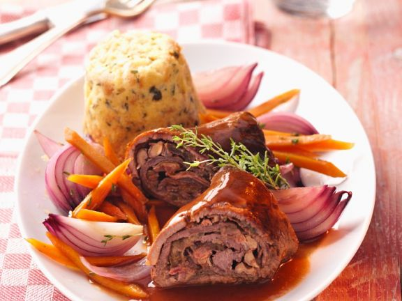 Beef Roulades with Carrots and Onions
