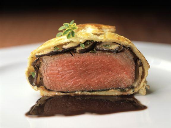 Beef Steak En Croute