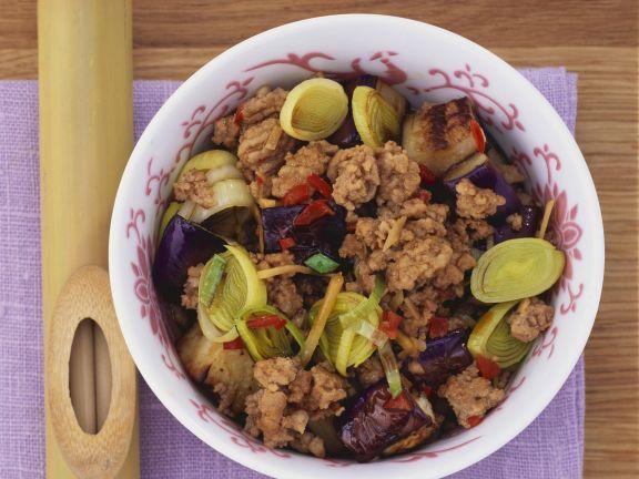 Beef Stir-Fry with Leek and Eggplant