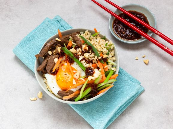 Bibimbap-Bowl with Beef and Vegetables