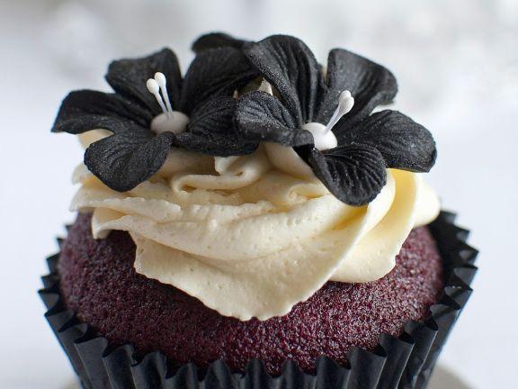 Black Sugarpaste Flower Cakes