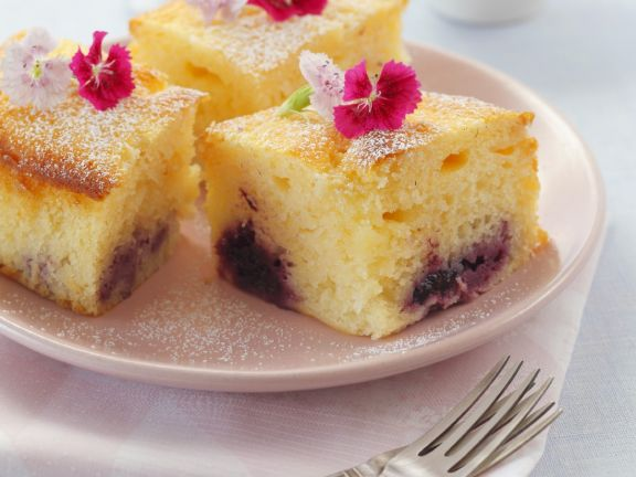 Blackberry Yoghurt Cakes