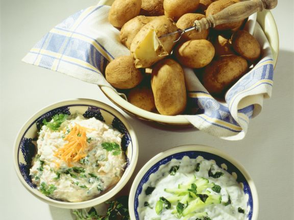 Boiled Potatoes with Two Quark Spreads