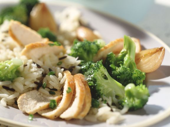 Braised Chicken with Onions and Broccoli
